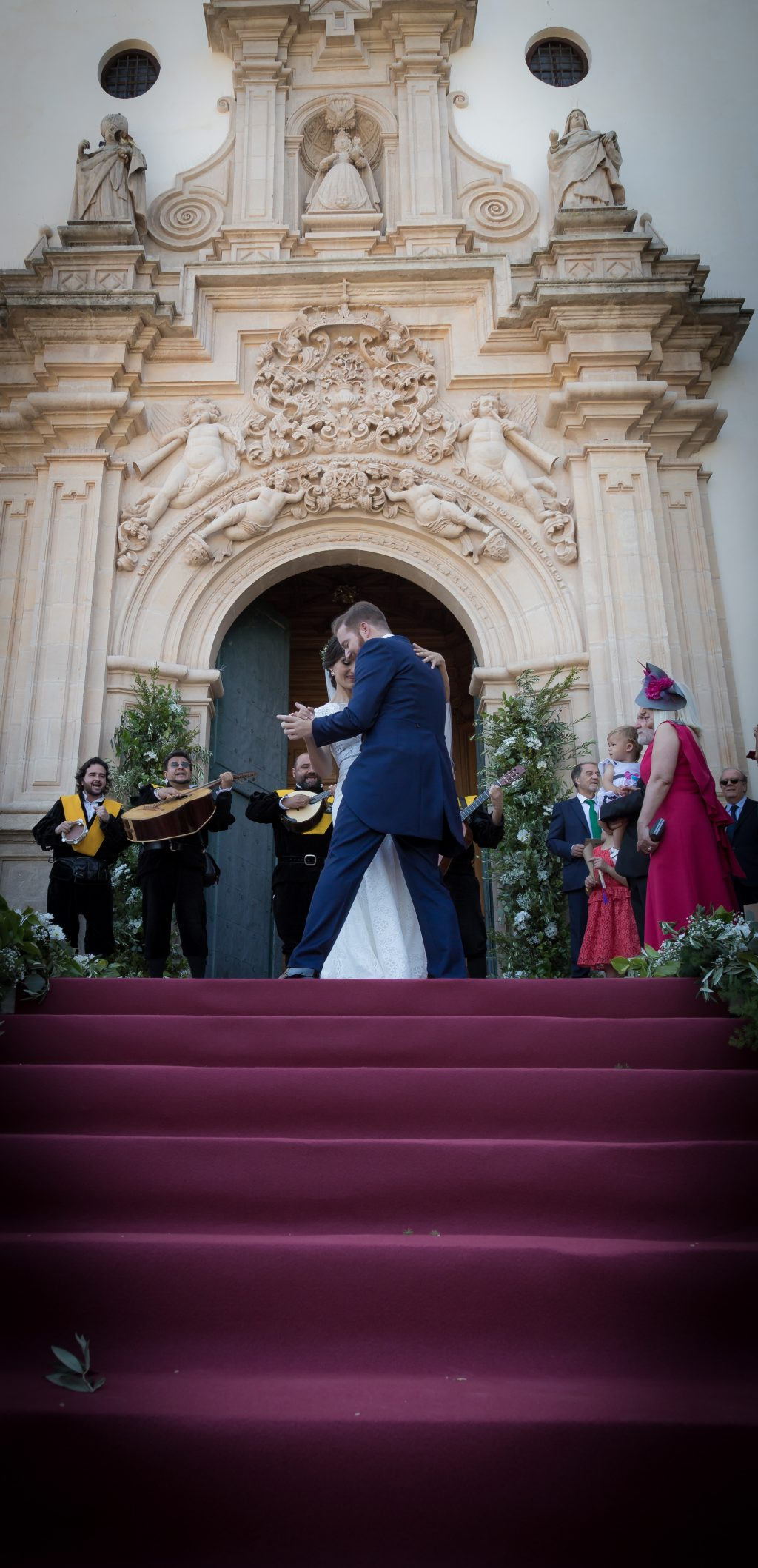 ¿Qué fotos de boda son mejores, las posadas o las robadas?