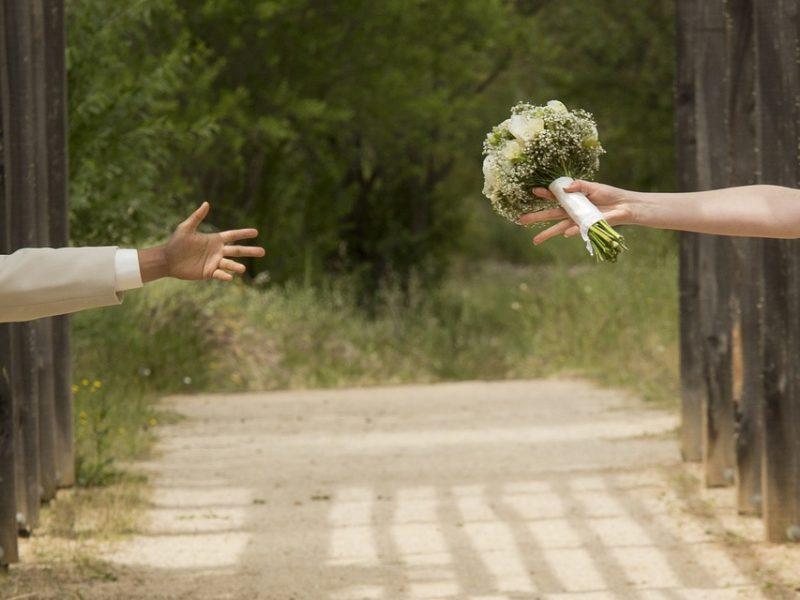 5 consideraciones al contratar un fotógrafo de boda